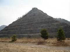 階段ピラミッド?